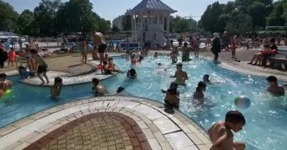 So voll war das Simmeringer Bad am Freitag.
