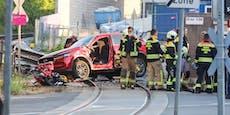 """""""Armada an Schutzengeln"""" rettet Lenker bei Zug-Crash"""