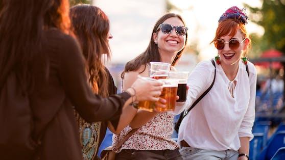 """Die WHO empfiehlt """"Frauen in gebärfähigem Alter"""" möglichst keinen Alkohol zu trinken."""