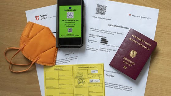 """Der """"Grüne Pass"""" ist nun auch für Geimpfte verfügbar."""
