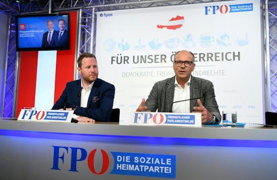 Bundesparteiobmannstellvertreter Harald Stefan (r.) und FPÖ-Generalsekretär Michael Schnedlitz