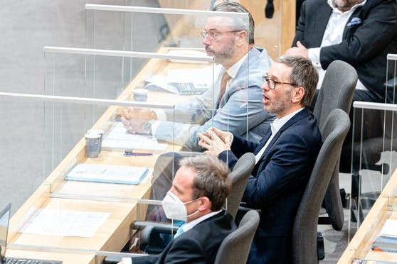 Die FPÖ sucht nach einem Nachfolger für Norbert Hofer. Herbert Kickl gilt als wahrscheinlicher Nachfolger. fix ist das aber noch nicht.