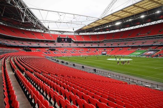 Das Wembley Stadium in London, in England dürfen 22.500 Fans in den Fußballtempel.