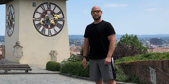 """Roland B. aus Graz muss wegen """"Müdigkeit"""" im Auto vor Gericht."""
