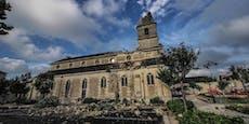 Tornado reißt in Frankreich ganze Kirchturmspitze weg