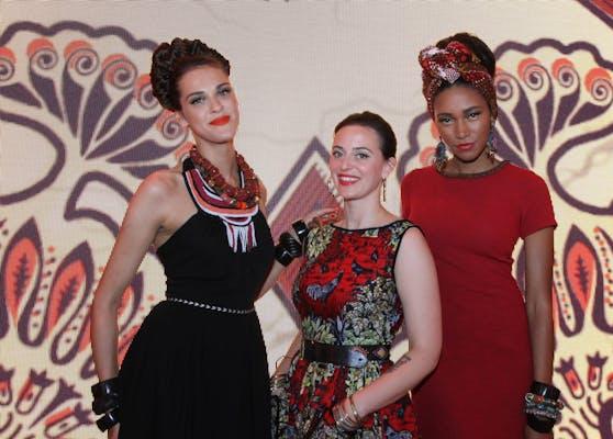 Designerin Lena Hoschek (Mitte) hat sich mit ihrem Radlerhosen-Sager nicht nur Freu(n)de gemacht.