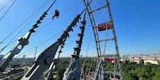 Hier hängen WEGA-Beamte entspannt am Riesenrad ab
