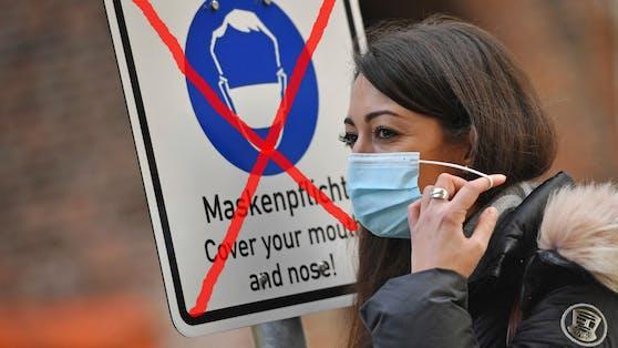 Das Wegfallen der Maskenpflicht bereitet den Österreicher Sorgen.