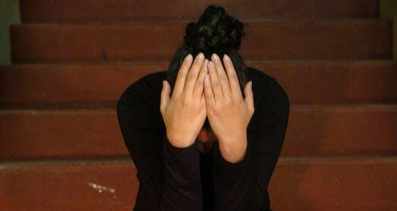 Auch in Österreich werden jedes Jahr hunderte Mädchen zur Heirat mit oft älteren Männern gezwungen.