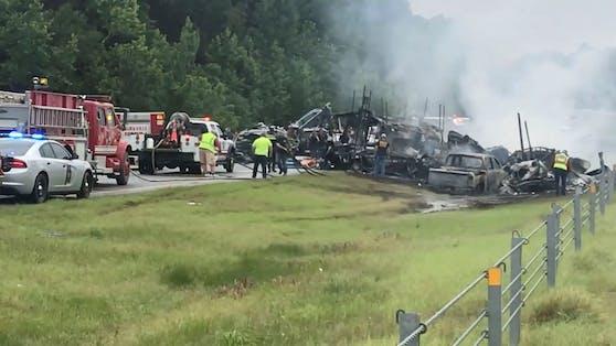 In Alabama ist es am Sonntag zu einem schweren Verkehrsunfall gekommen.