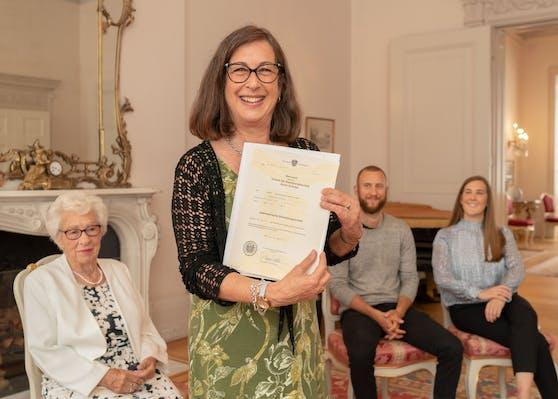 Nach über 80 Jahren seit ihrer Vertreibung haben Eva Schloss und ihre Familie die österreichische Staatsbürgerschaft erhalten.