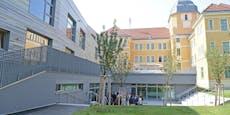 Stadt investiert 20 Mio. Euro in WLAN-fitte Schulen