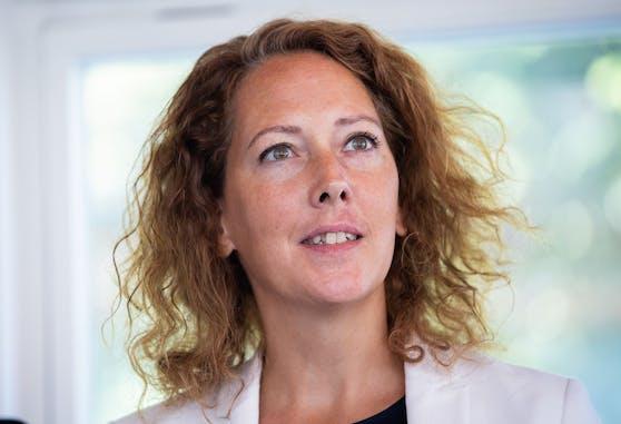 Nach Schulen und Elternverbänden üben nun auch die Wiener Grünen unter der nicht-amtsführenden Stadträtin Judith Pühringer Kritik an der Neuzuteilung der Wiener Pflichtschullehrer.