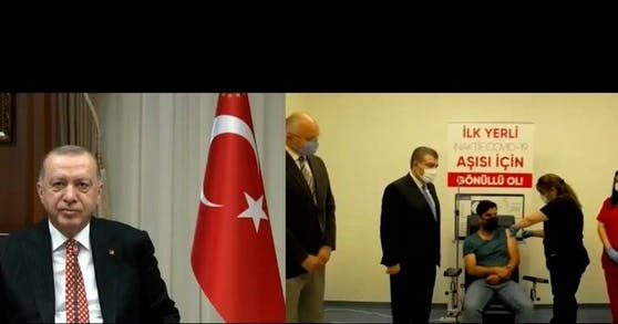 """Erdogan freut sich über den eigenen Impfstoff """"Turkovac"""""""
