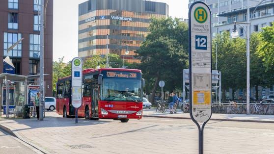 Die Gemeinde Denzlingen (nahe Freiburg) belohnt einen Umstieg auf die Öffis.