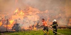 Solaranlage explodiert – Dorf wird zu Flammenmeer