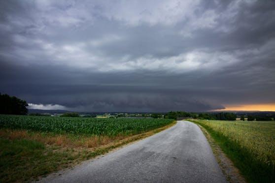 Bilder der Storm Science Austria zeigen die aktuellen Gewitter-Superzellen über Österreich.