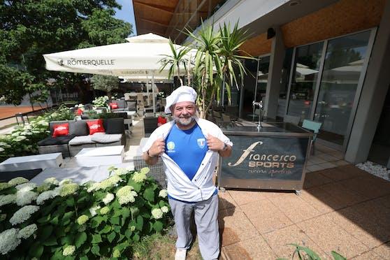 """In der Brust von Generoso Palladino, Chefkoch im """"francesco Sports"""", schlagen zwei Herzen: ein italienisches und ein österreichisches."""