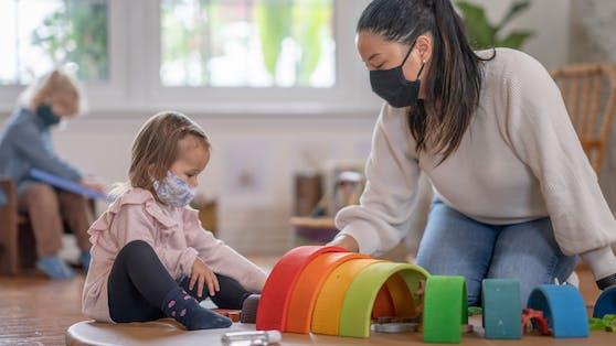 Schon jetzt verlangen Kindergärten der Stadt Wien einen Impfnachweis für Masern, Mumps, Röteln und Varizellen, künftig dann auch gegen das Coronavirus.