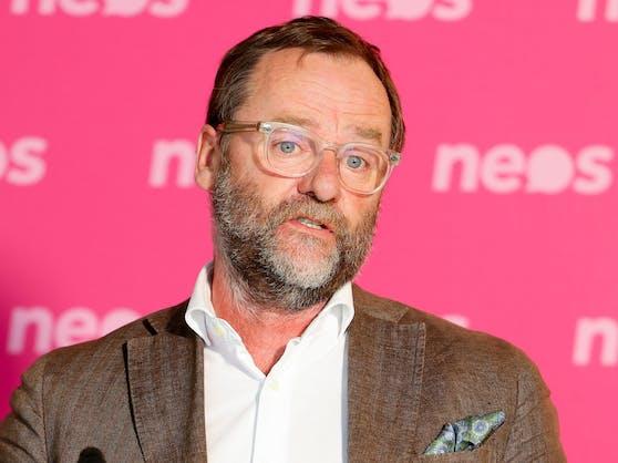 Sepp Schellhorn (NEOS) verabschiedet sich aus der Politik.