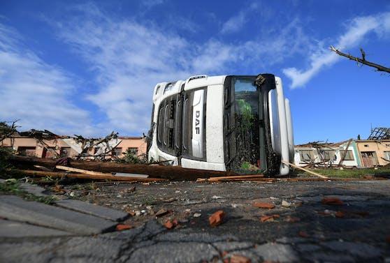Tornado in Tschechien, im Bild das Ausmaß der Schäden in Moravska Nova Ves