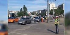 E-Autos fahren am Wiener Ring gegen Fahrtrichtung