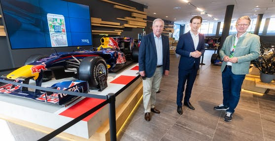 Spielberg: vlrn.: Landeshauptmann Hermann Schützenhöfer (ÖVP), Bundeskanzler Sebastian Kurz (ÖVP) und Sport-Landesrat Christopher Drexler (ÖVP) am Sonntag, 27. Juni 2021, vor Beginn des Formel 1-GP.