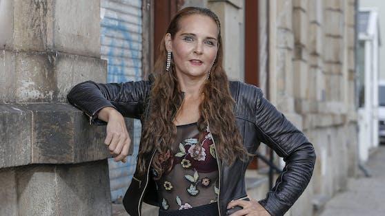 """Helena Fürst war unter anderem im """"Dschungelcamp"""" zu sehen. Größere Bekanntheit erlangte sie durch ihre RTL-Dokusoap """"Helena Fürst - Anwältin der Armen""""."""