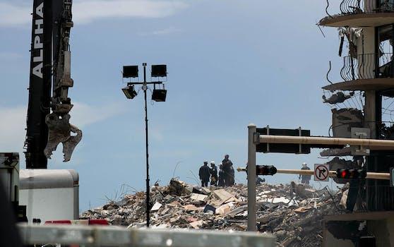 Die Zahl der Toten nach dem Teileinsturz eines Hochhauses in Florida ist auf 18 gestiegen.
