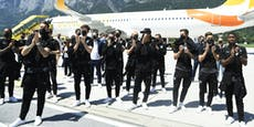 Jubelnde Fans empfingen ÖFB-Stars bei Landung in Tirol