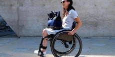 Neue kluge Handtasche für Rollstuhlfahrer entwickelt