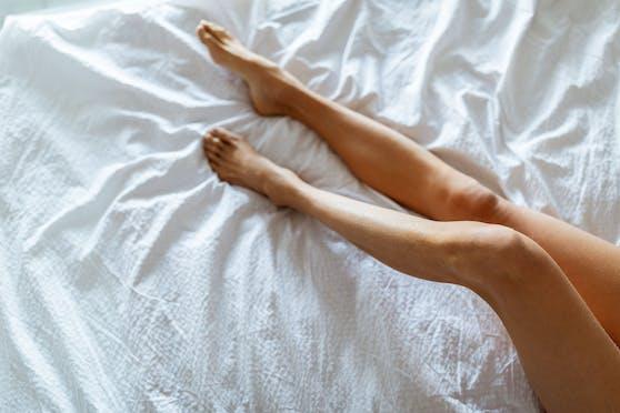 Wer nackt schläft, kann so auch die Libido steigern.