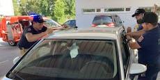 6 Monate altes Baby in heißem Auto eingesperrt