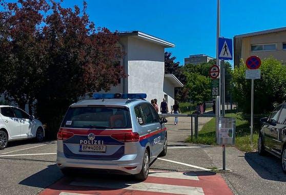 An der Neuen Mittelschule in Braunau bedrohte ein 14-Jähriger einen Lehrer.