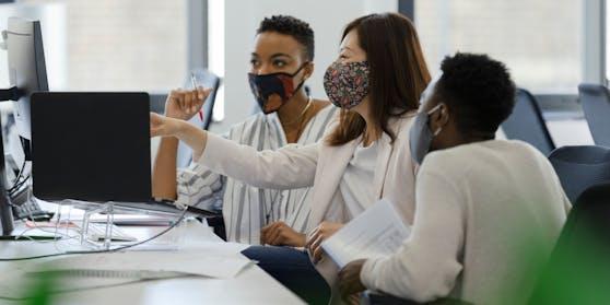 """Die Humboldt Uni will für einen Job keine """"weißen Menschen""""."""