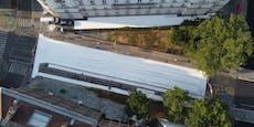 Straße vor Kunst-Uni wurde weiß eingefärbt