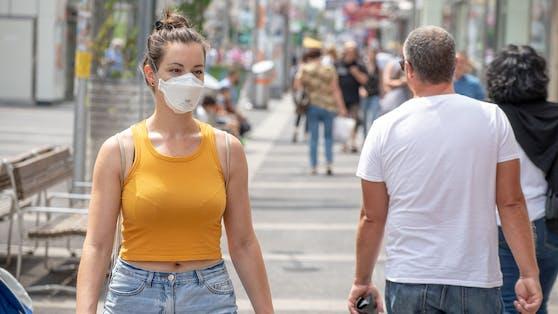 Die Maskenpflicht entfällt im Freien nicht vollständig.