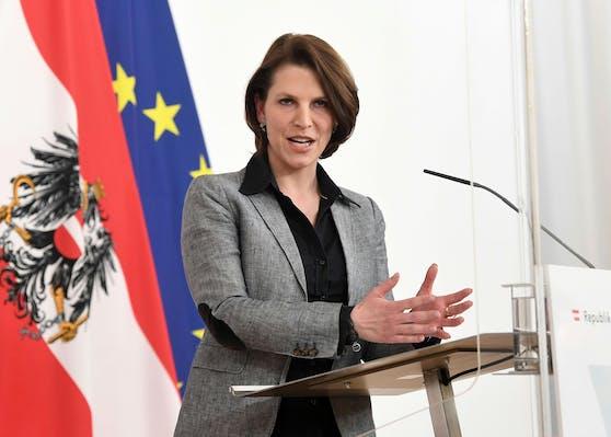 Verfasssungsministerin Karoline Edtstadler (ÖVP).