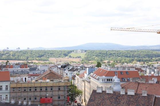 Teilnehmer sehen vom Pop-up-Studio bis zum Schloss Schönbrunn und Gloriette.