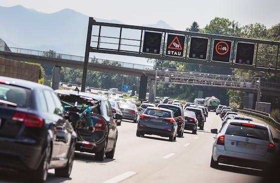 In Österreich kommt es am verlängerten Wochenende wohl vermehrt zu Staus. (Symbolbild.)