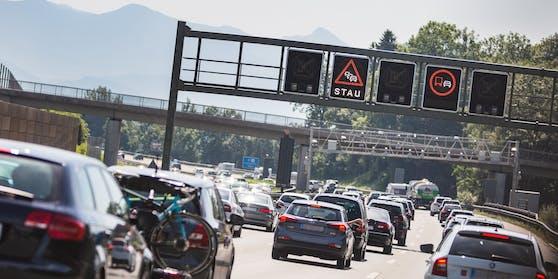 In Österreich kommt es am verlängerten Wochenende vermehrt zu Staus. Symbolbild.