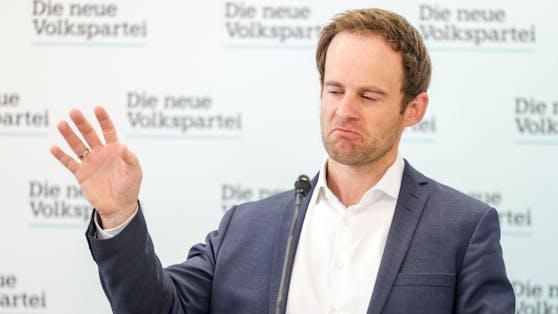 """Der Wiener ÖVP-Klubobmann Markus Wölbitsch ist ob des Zeitpunktsverwundert, regionale Maßnahmen für Wien festzulegen – nur einen Tag vor denen vom Bund angekündigten, weiteren Lockerungen: """"So geht kein Miteinander in Bewältigung der Krise."""""""