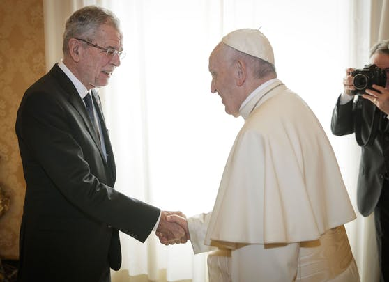 Bundespräsident Alexander Van der Bellen wird erneut auf Papst Franziskus treffen. Archivbild.