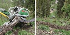 Baggerfahrer überlebt hundert Meter tiefen Absturz