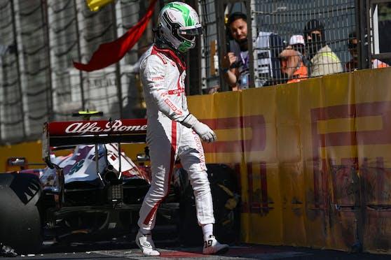 Antonio Giovinazzi und sein ramponierter Alfa Romeo.