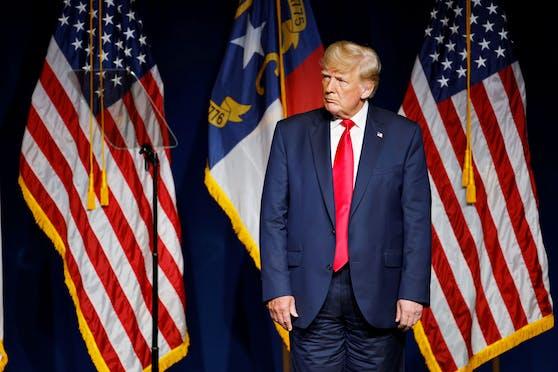 Trägt Donald Trump seine Hosen richtig herum?