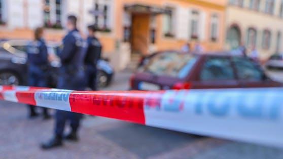 Bei einem Verkehrsunfall ist am Montagvormittag in Oberalm (S) ein 78-jähriger Pensionist ums Leben gekommen.