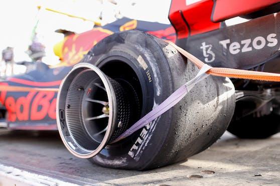 Der geplatzte Reifen von Max Verstappen
