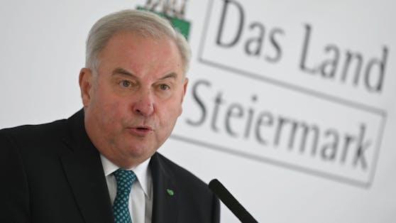Landeshauptmann Hermann Schützenhöfer (ÖVP/Steiermark) bei einer Pressekonferenz am 20. Mai 2021