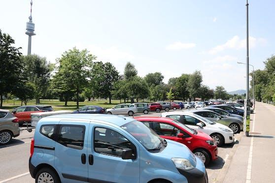 In der Donaustadt sind freie Parkplätze oft Mangelware.